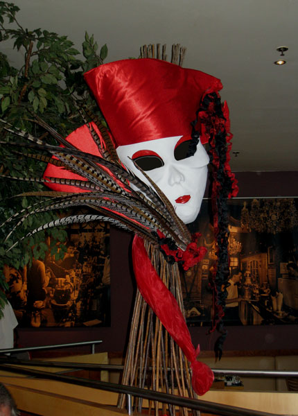 images/dekoration-4all-seasons-fasching/FG14-Lady in red.jpg